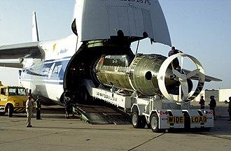 DSRV-1 Mystic - Mystic loaded aboard a Russian Antonov An-124 cargo aircraft
