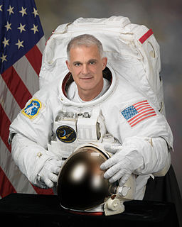 David Wolf (astronaut) American astronaut, medical doctor and electrical engineer (born 1956)
