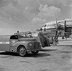De Douglas DC-4 Edam met de KLM huisstijl en voorzien van het Edam logo onde, Bestanddeelnr 255-8913.jpg