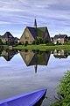 Delfzijl - Kruiskerk over de Vestinggracht.jpg