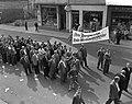 Demonstratie van Duitse mijnwerkers in Bonn tegen sluitin van mijnen in het Roer, Bestanddeelnr 910-7027.jpg