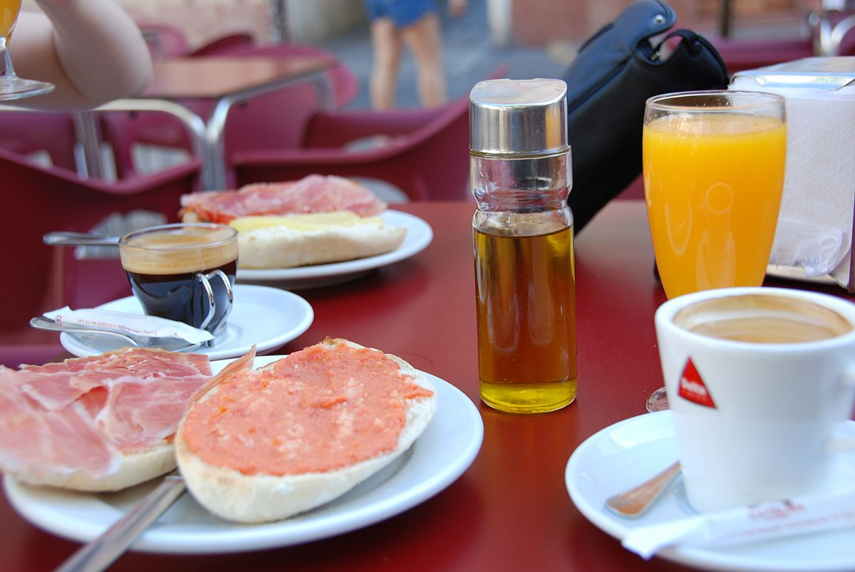 Desayuno andaluz - Wikipedia, la enciclopedia libre