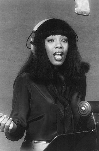 "Je t'aime... moi non plus - Donna Summer (pictured in 1977) covered the song as ""Je t'aime"" in duet with producer Giorgio Moroder for the 1978 film Thank God It's Friday"