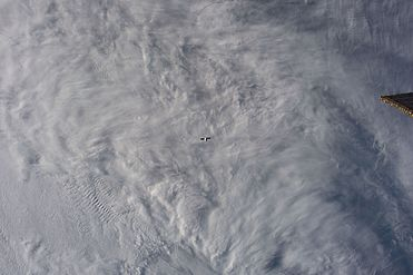 Dragon approaches the ISS (32238998904).jpg