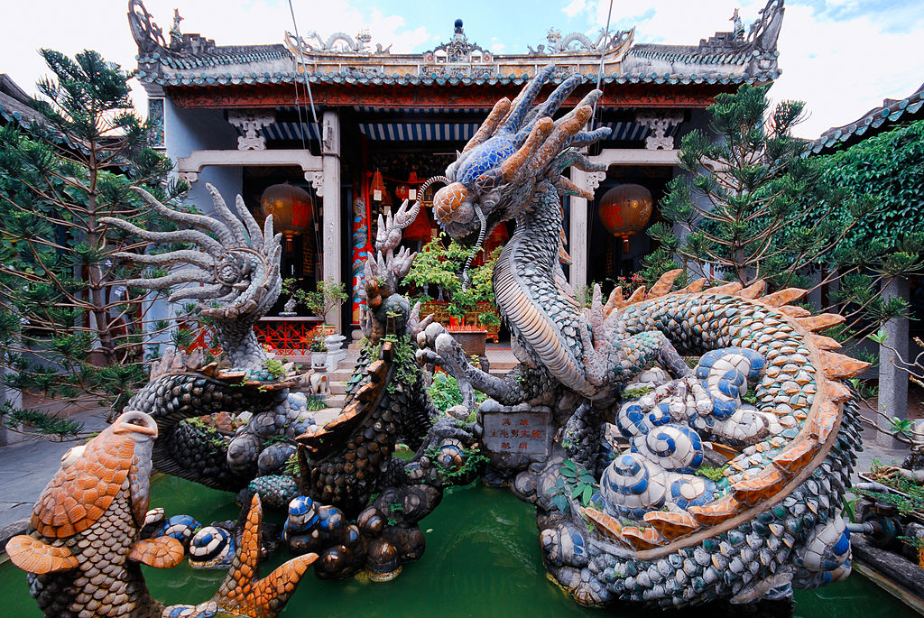 Dragon fountain at the back of the Cantonese Assembly Hall (Quang Trieu). Hoi An Ancient Town pagodas