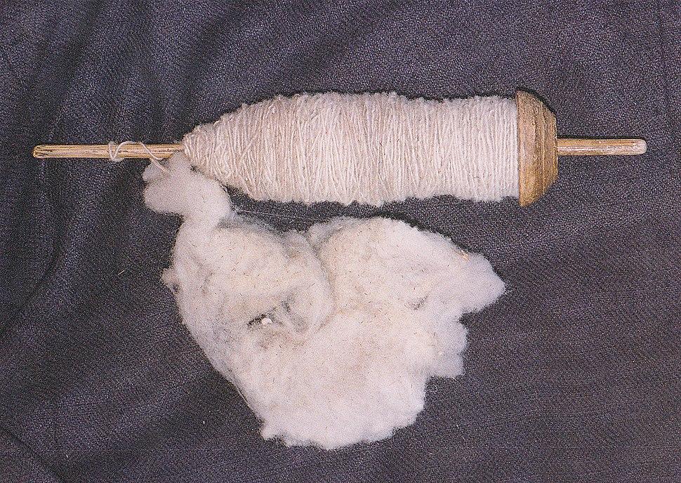 Drop spindle with wool of alpaca Peru