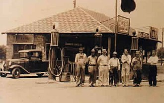 Asher, Oklahoma - Image: Early Asher gas station