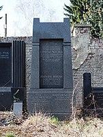 Edmund Melcher grave, Vienna, 2017.jpg