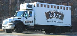 English: Edy's Ice Cream delivery truck, Ann A...