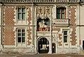Entrée du château de Blois (Loir-et-Cher) (5246343953).jpg