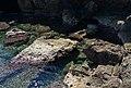 Esculls davant la cova Tallada.JPG