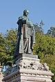 Escultura de Manuel Vázquez Figueroa - Santiago de Compostela.jpg