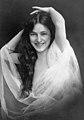 Evelyn Nesbit-1901-Otto Sarony.jpg
