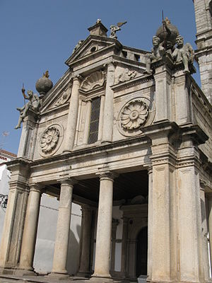 Renaissance architecture in Portugal - Image: Evora Graca Church 1