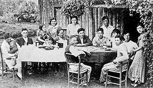 Gosei (Japanese diaspora) - The great-great-grandchildren of these Japanese-Brazilian (Nipo-brasileiros) immigrants would be called Gosei.