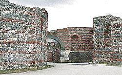 GRADOVI-arheološke destinacije 250px-Felix_romuliana