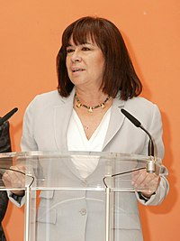 Fernández de la Vega preside la toma de posesión de la ministra de Medio Ambiente y Medio Rural y Marino (cropped).jpg