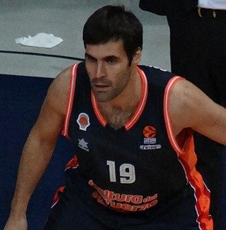 Fernando San Emeterio - San Emeterio in 2017, with the Valencia Basket.