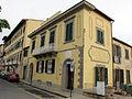 Fiesole, piazza mino, edificio con targa dantesca 01.JPG