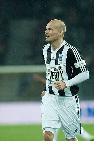 Freddie Ljungberg - Ljungberg playing in the Match Against Poverty in March 2014