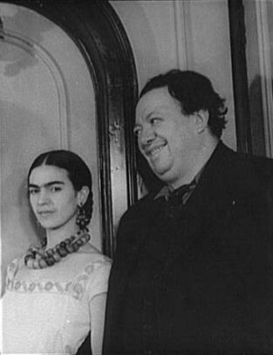 Frida Kahlo - Kahlo with husband Diego Rivera in 1932