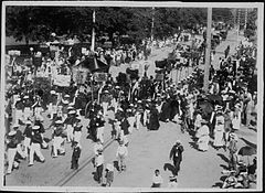 Funeral of Queen Kapiolani (PP-25-10-016).jpg