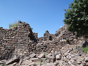 Gamla - Break in the fortress wall