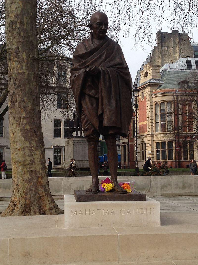 Gandhi statue 2.jpg