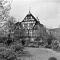 Gezicht op het in de 17e eeuw als raadhuis gebouwde huis met de drie gevels, Bestanddeelnr 254-4462.jpg