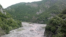 Girdimanchay river near Lahij settlement.jpg