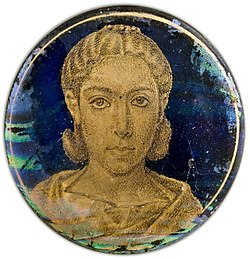 Gold-glass portrait of a woman (Turin).jpg