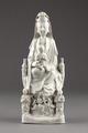 Guanyin barmhärtighetens gudinna gjord av porslin i Kina på 1600-talet - Hallwylska museet - 95581.tif