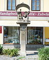 GuentherZ 2012-07-28 0108 Horn Wilhelm-Miklas-Platz Oelberggruppe.JPG