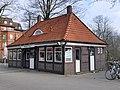 Hamburg-Bergedorf, Alte Holstenstraße 75, Toilettenhäuschen 1.jpg