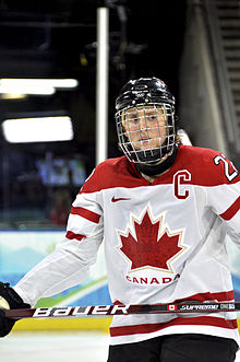 Description de l'image  Hayley Wickenheiser at 2010 Olympics.jpg.