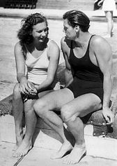 Helene Madison and Johnny Weissmuller 1932.jpg