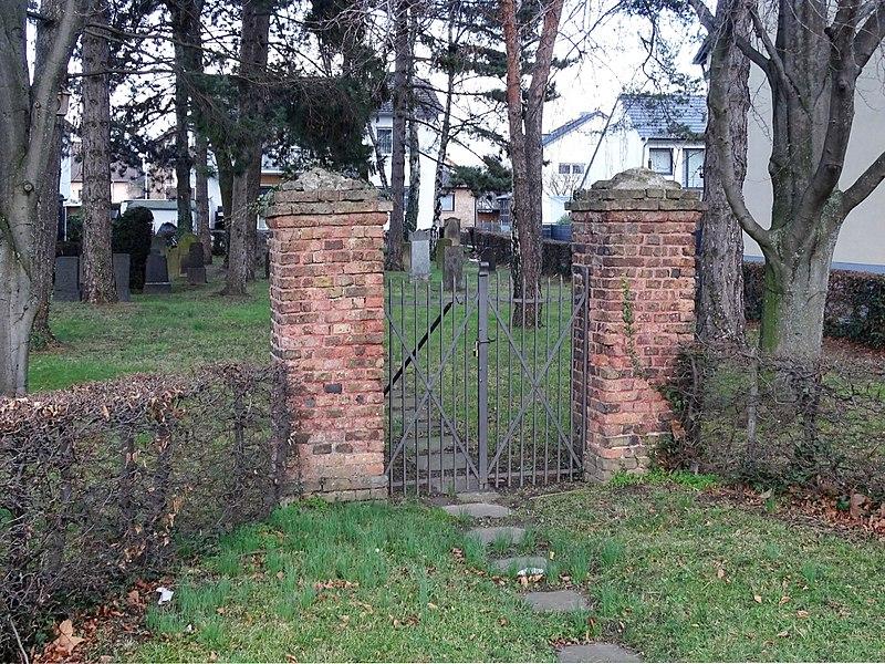 File:Hersel Elbestraße Jüdischer Friedhof (01).jpg