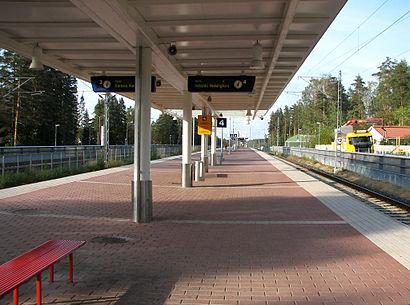 Kuinka päästä määränpäähän Hiekkaharjun Asema käyttäen julkista liikennettä - Lisätietoa paikasta