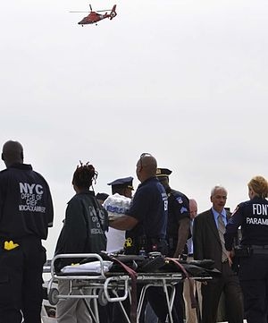 2009 Hudson River mid-air collision - Emergency services stand by after the mid-air collision.