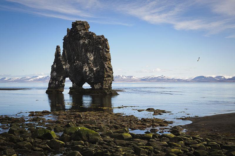 File:Hvitserkur sea stack, Iceland.jpg