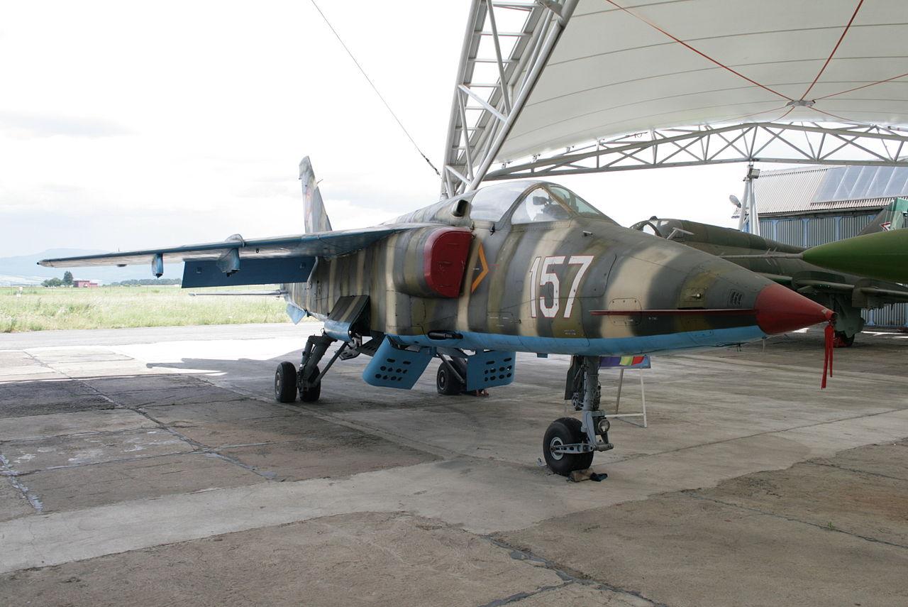 الوداع المؤجل - A-10 Thunderbolt II - صفحة 2 1280px-IAR-93SC_aircraft