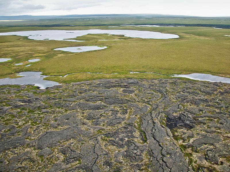 File:Imuruk Lake 2 (16187803858).jpg