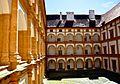 Innenhof des Schlosses.jpg