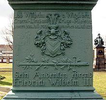 Detail des Grabmals auf dem Invalidenfriedhof Berlin (Quelle: Wikimedia)