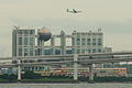 JAL ecojet approach over Odaiba (4871275247).jpg