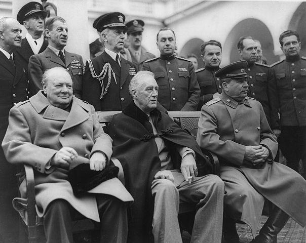 Черчилль, Рузвельт, Сталин на Ялтинской конференции. Февраль 1945