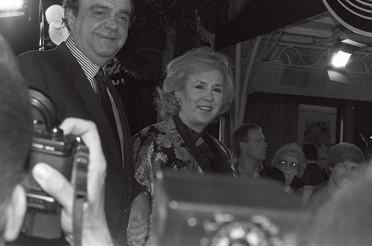 James Coco & Doris Roberts (4506536642).jpg