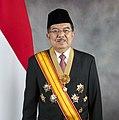 Jusuf Kalla with vice presidental decorations (2014).jpg