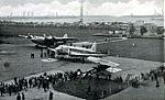 KLM Douglas Dc-2 op vliegveld Waalhaven.jpg