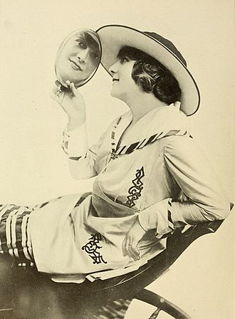 Kathlyn Williams - Kathlyn Williams in 1917